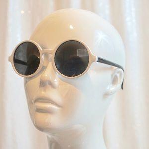 Accessories - ❣️LAST PAIR ❣️Small round sunglasses 🕶